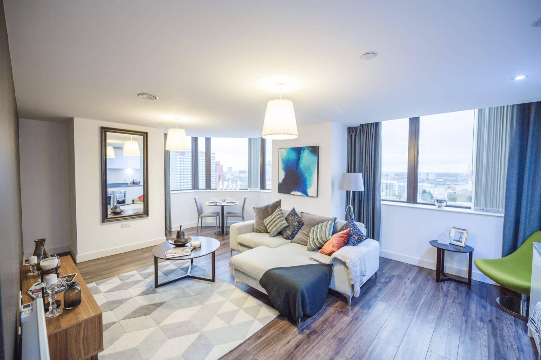 Seven-Capital-105-Broad-Street-Living-room-opt
